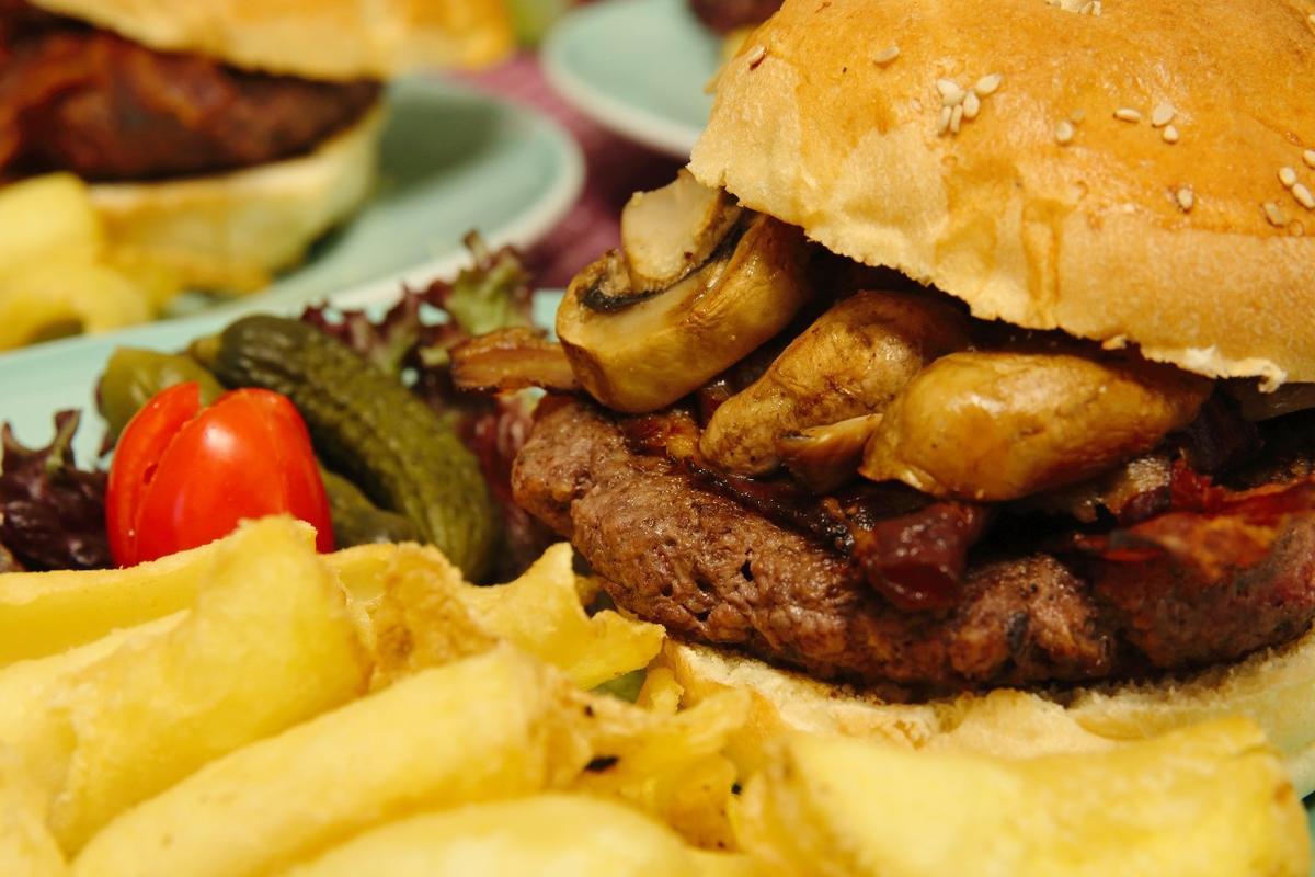 Ricetta hamburger: i nuovi piatti di Babingtons per festeggiare i 125 anni