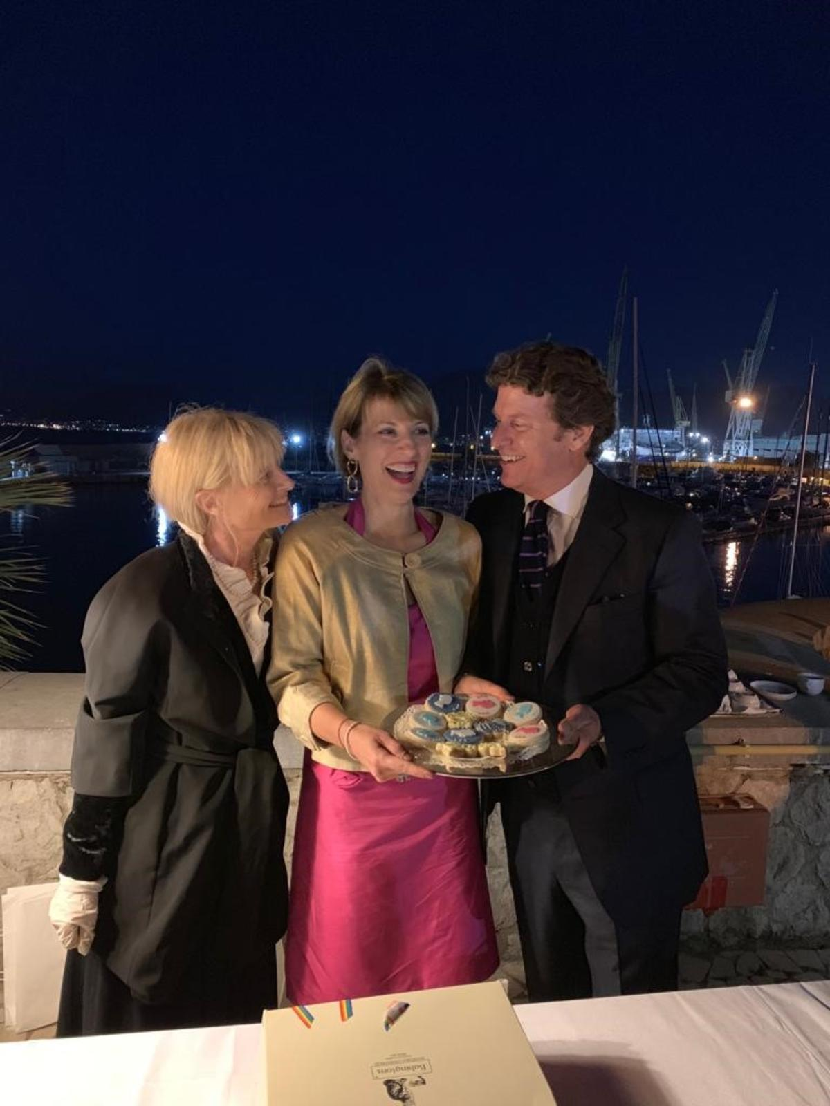 Babingtons festeggia il compleanno della Regina Elisabetta II con l'Ambasciata Britannica